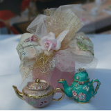 MINIATURE TEAPOT KEEPSAKE